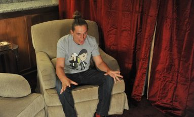 "Jason Mewes on Jumping Back Into Character for ""Jay and Silent Bob Reboot"""